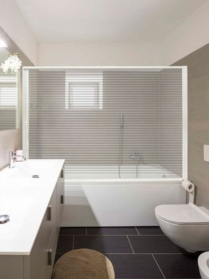 Mampara bañera transparente líneas