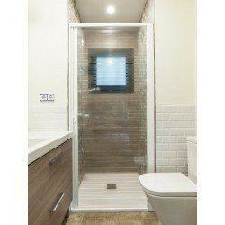 Paroi enroulable douche. Extensible, 150-220 cm de large. Aluminium blanc. Porte PET transparente à rayures. Marquage CE.
